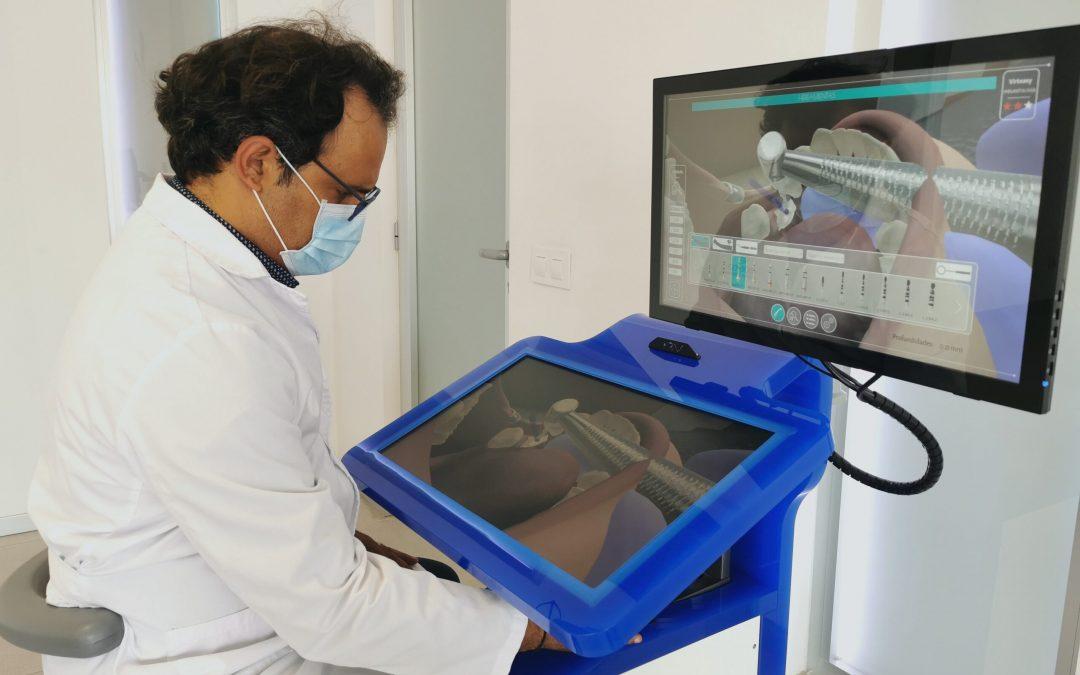 La Escuela Universitaria ADEMA presentará para fondos Next Generation varios proyectos de inteligencia artificial y desarrollo de herramientas hápticas para la enseñanza sanitaria